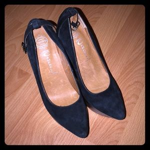 Jeffrey Campbell size 7 black & brown suede wedge